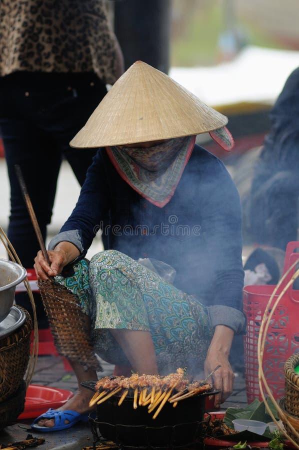 Kobieta w Wietnam rynku zdjęcia royalty free