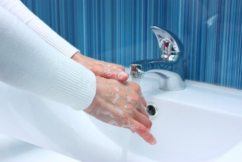 Myje ręki zdjęcia stock