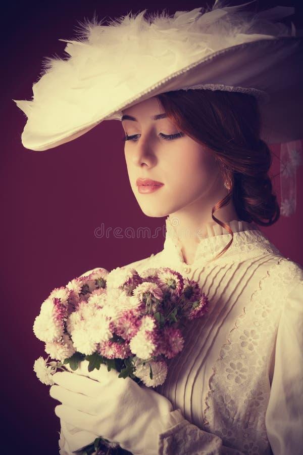Kobieta z bukietem zdjęcie royalty free