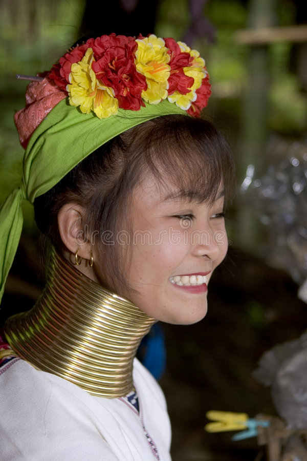 kobieta z długą szyjką azji długa fotografia royalty free