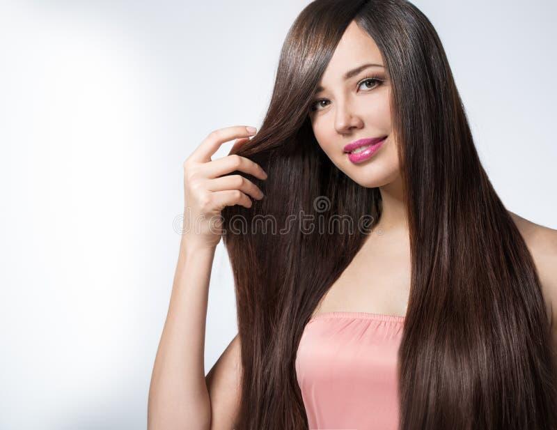 kobieta z długim pięknym włosy obrazy stock
