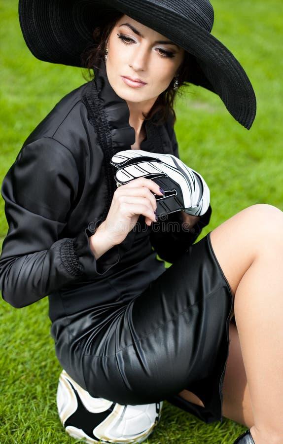Kobieta z Futbolową piłką zdjęcie royalty free
