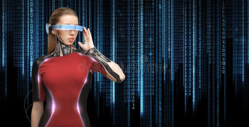 Kobieta z futurystycznymi szkłami i czujnikami zdjęcie stock
