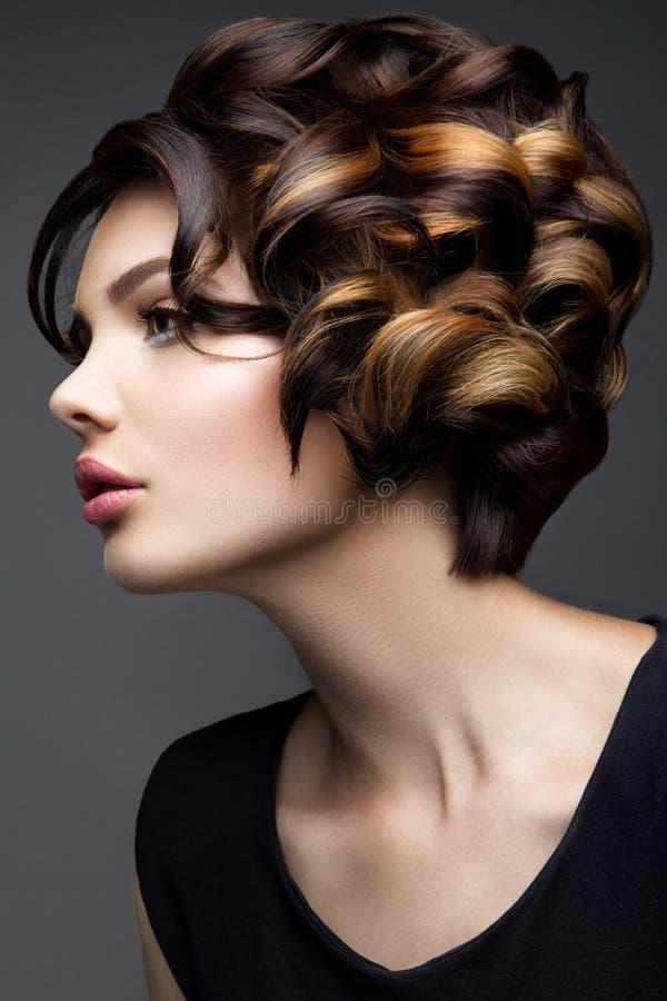 kobieta z kijem Splendoru portret piękny kobieta model z świeżym makeup i romantyczną falistą fryzurą obrazy stock