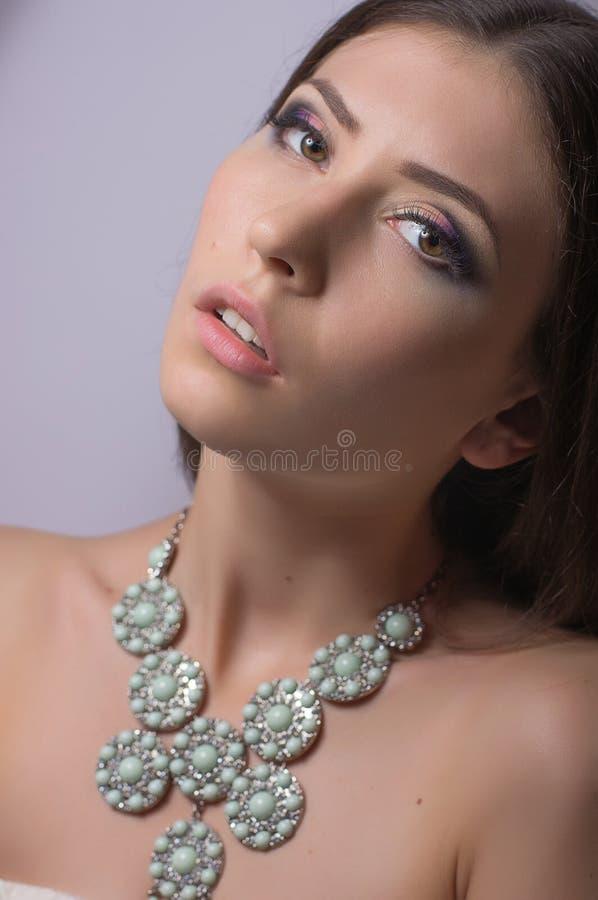 Download Kobieta z makeup zdjęcie stock. Obraz złożonej z ładny - 53780674
