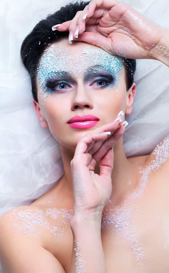 Download Kobieta z mrozem na twarzy zdjęcie stock. Obraz złożonej z dorosły - 28967104