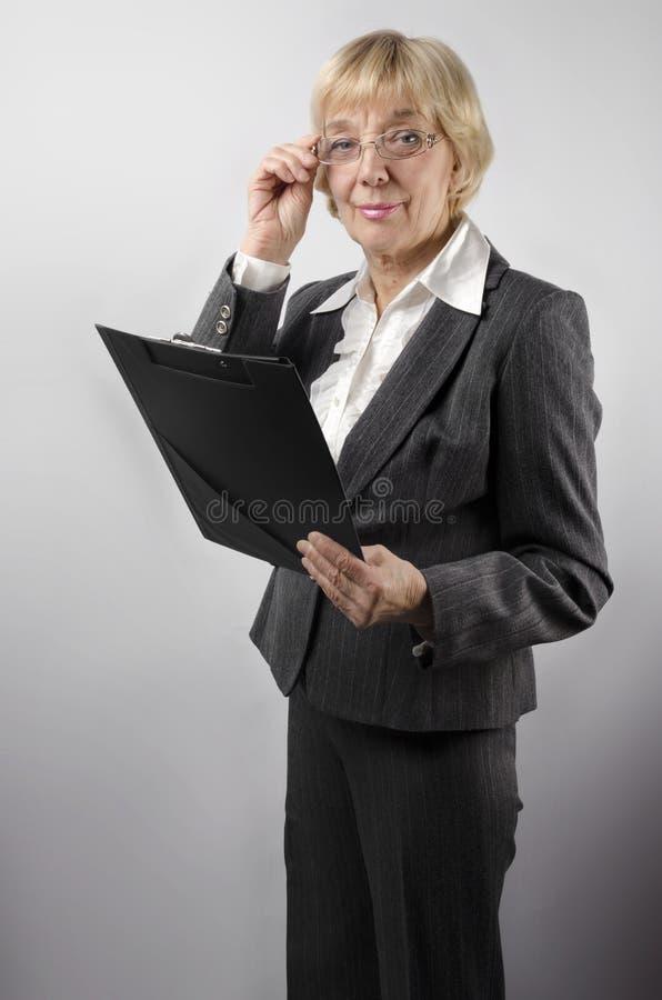 Kobieta z notepad zdjęcia stock