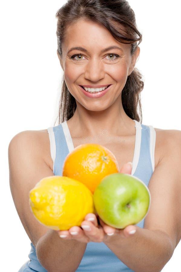 Kobieta z owoc obraz stock