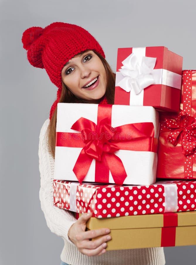 Kobieta z prezentami zdjęcie stock
