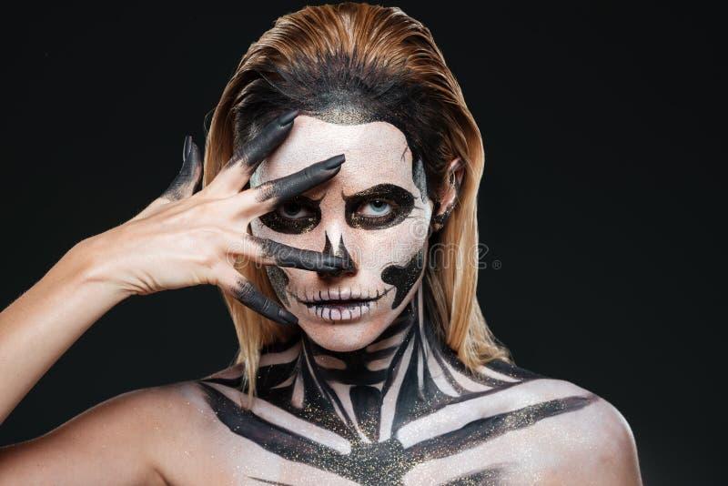 Kobieta z przerażać Halloween makeup zdjęcie stock