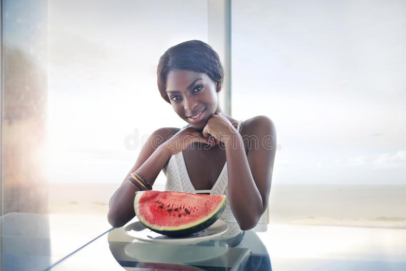 Kobieta z watermelone obrazy stock
