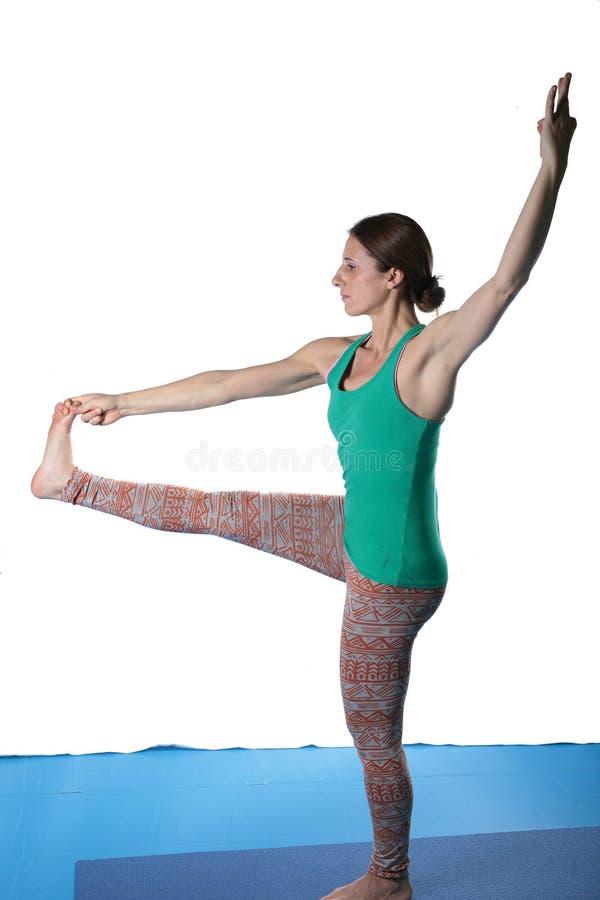 Kobiety ćwiczy joga na podłoga fotografia stock