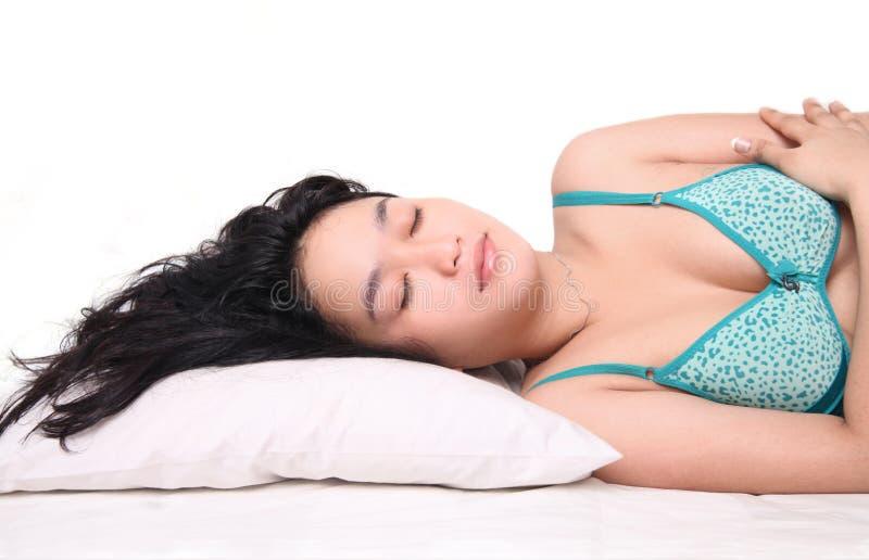 Kobiety Dosypianie Na łóżku Obrazy Stock