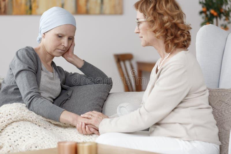 Kobiety i nowotworu relapse zdjęcia royalty free