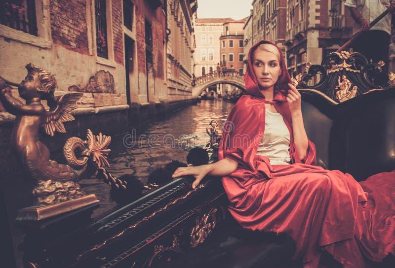 Kobiety jazda na gondoli fotografia royalty free