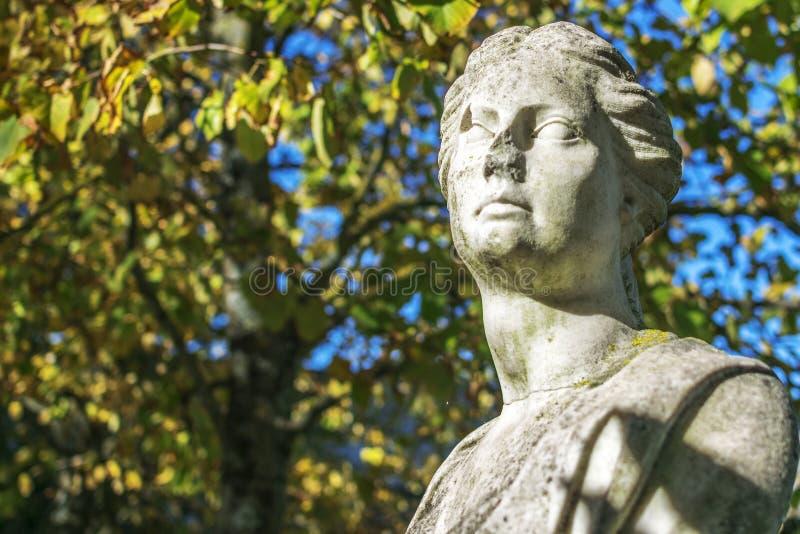 Kobiety kamienna statua zdjęcia royalty free