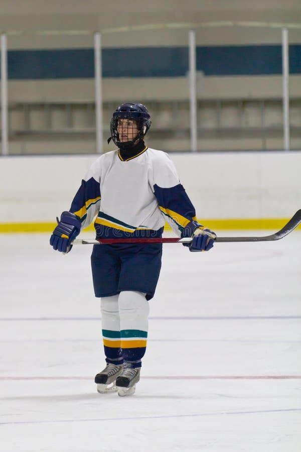 Kobiety lodowy gracz w hokeja podczas gry obrazy royalty free