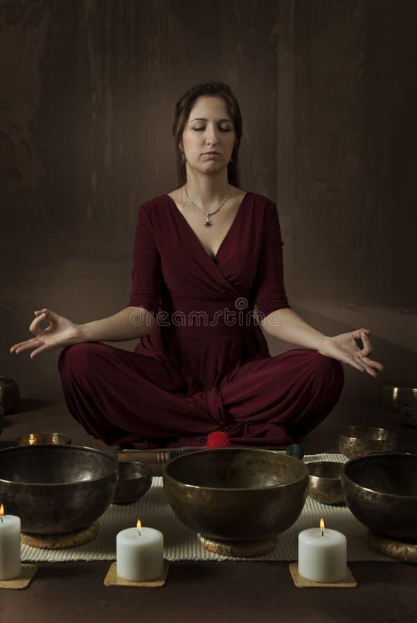 Kobiety meditator obrazy royalty free