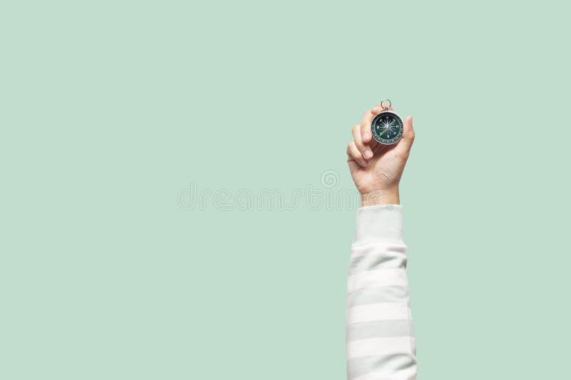 Kobiety mienia kompas obrazy royalty free