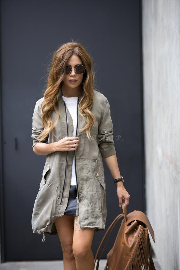Kobiety moda outdoors zdjęcia royalty free