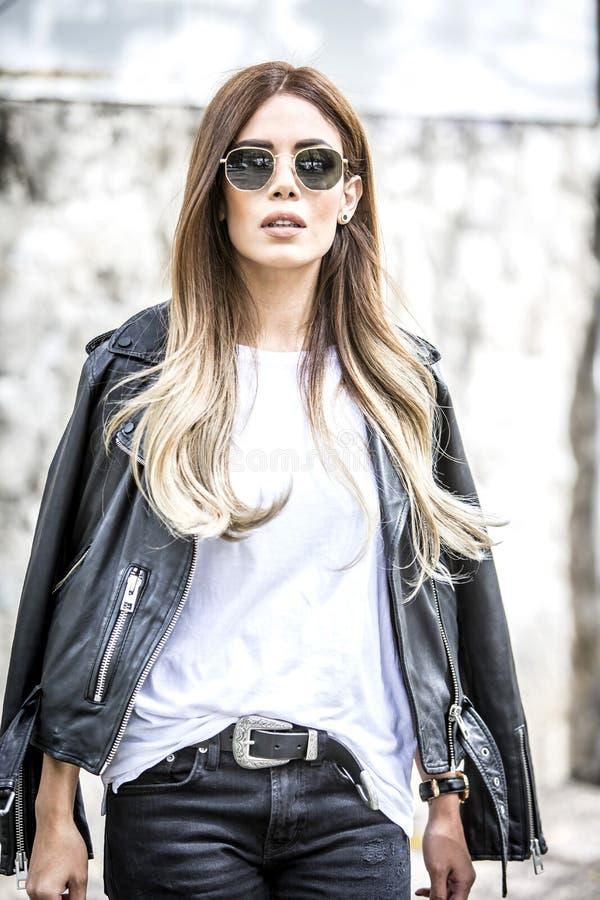 Kobiety moda outdoors obraz stock
