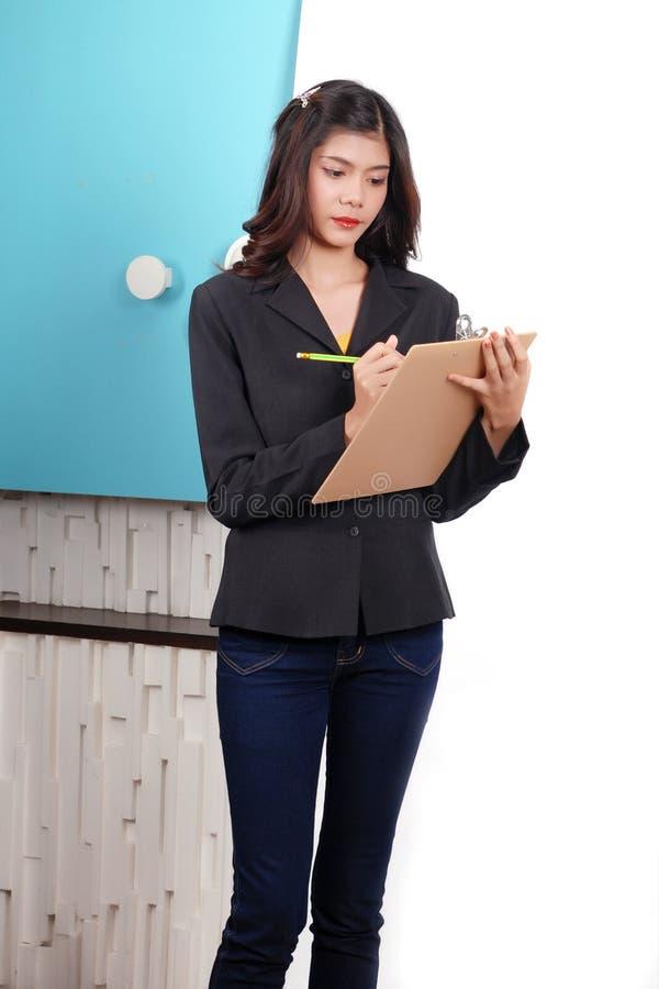 Kobiety na pracować w biurze obraz stock