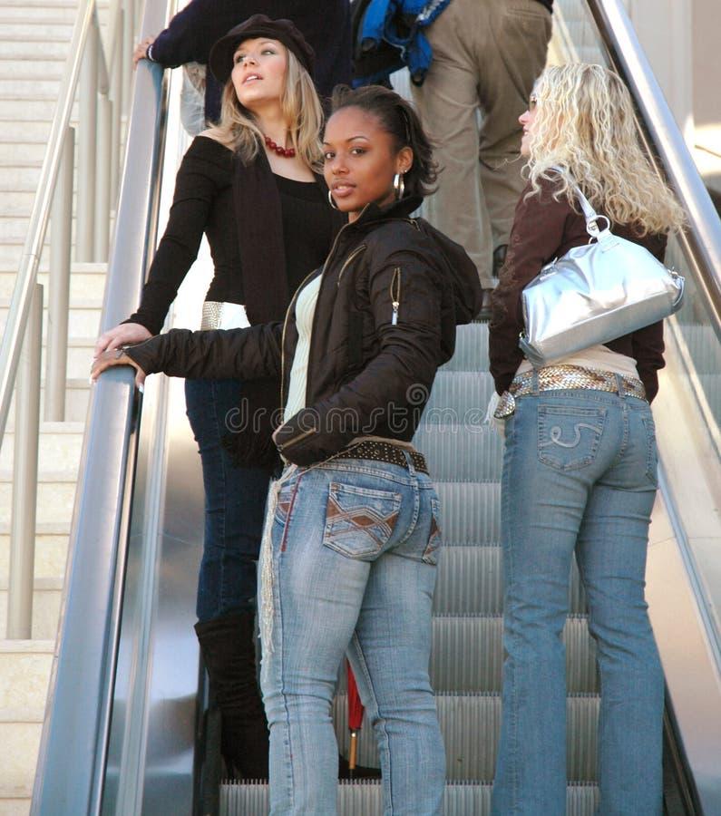 kobiety na zakupy zdjęcie stock