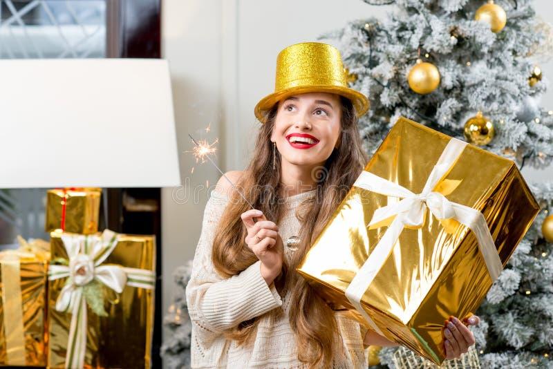 Kobiety odświętności zimy wakacje fotografia royalty free