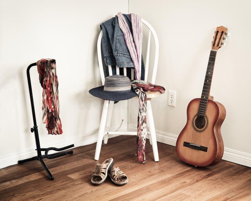 Kobiety odzież Na krześle obraz royalty free