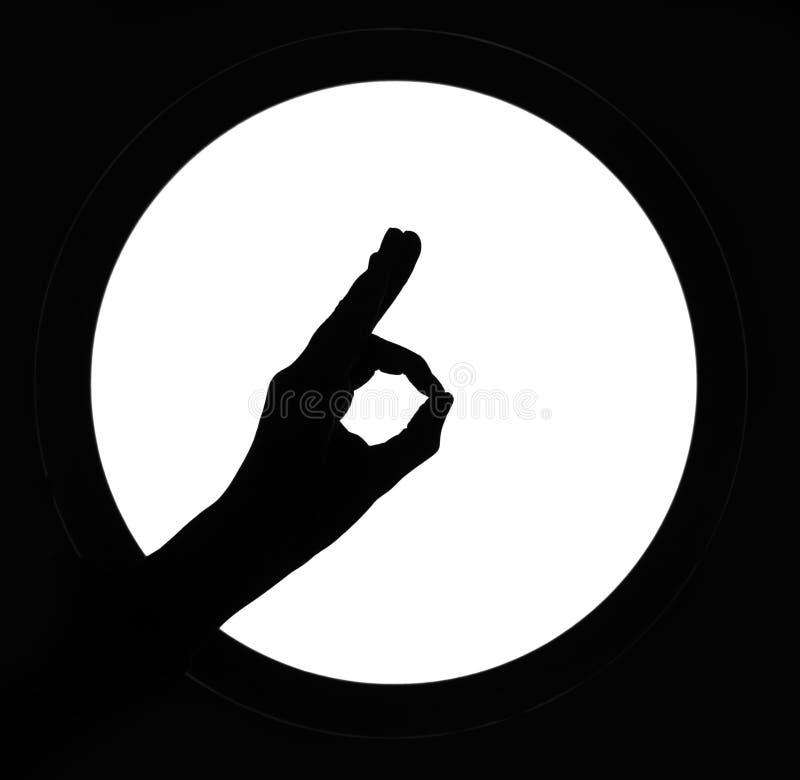 Kobiety ręki sylwetki OK simbol tła biały round znak Dobry ilustracja wektor
