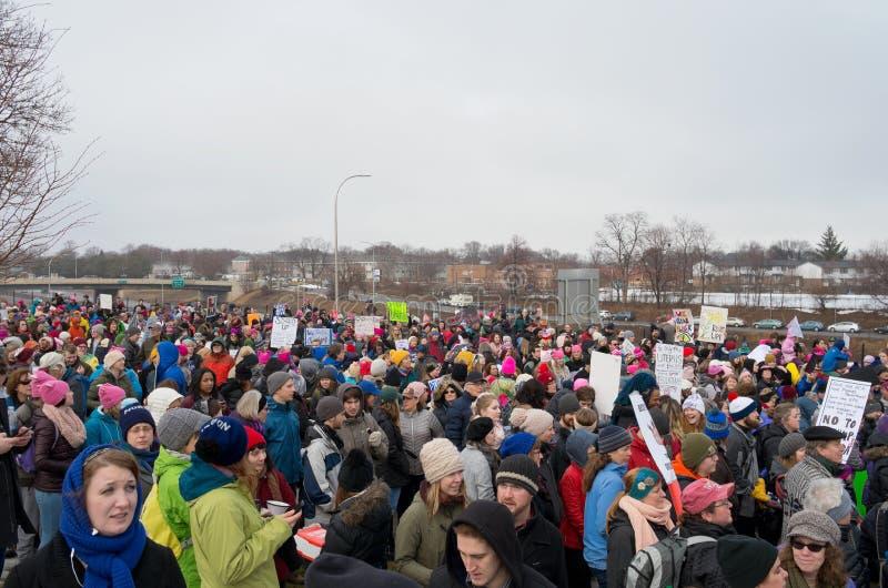 Kobiety ` s Marzec protest w Saint Paul obraz stock