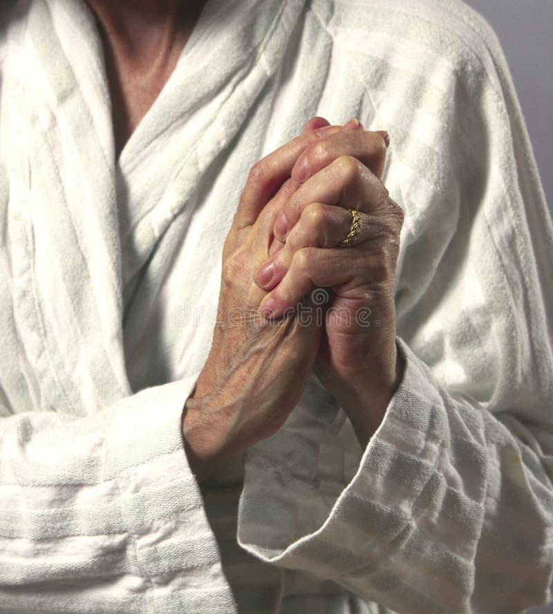 kobiety skręcić bolą ręce zdjęcia stock