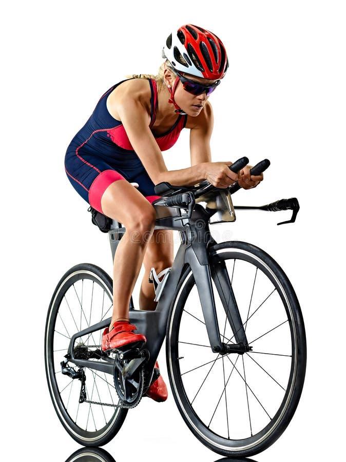 Kobiety triathlon triathlete ironman atlety cyklista jeździć na rowerze białego tło obraz royalty free