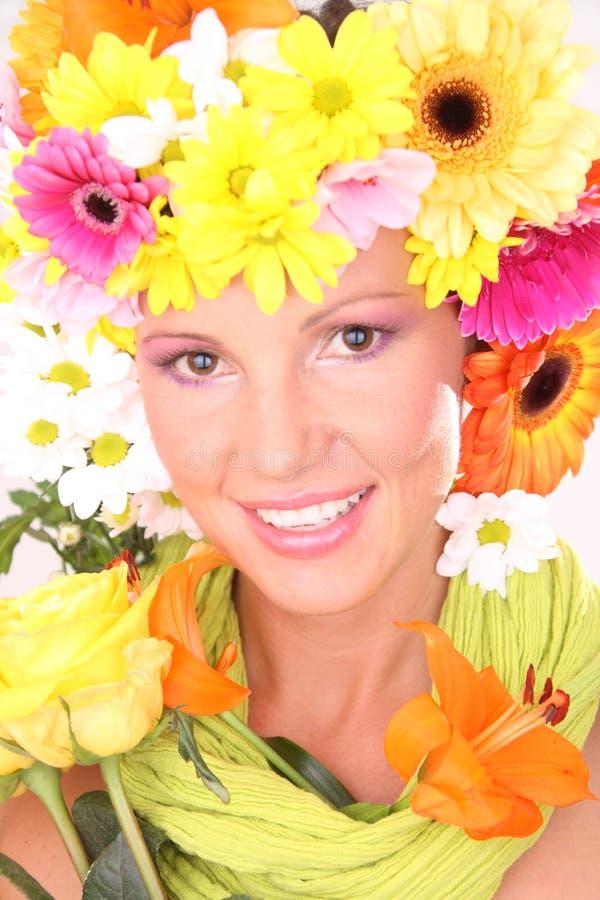 Kobiety twarz z udziałem kwiaty zdjęcia stock