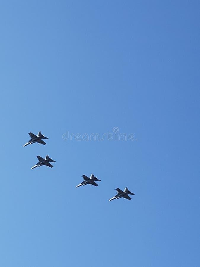 Kobiety wojska samolotu piloci w locie obrazy stock