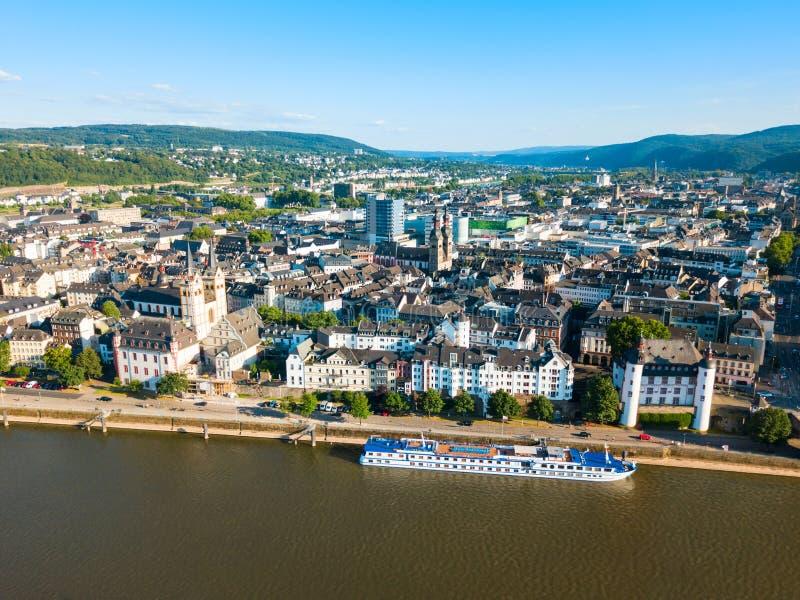 Koblenz stadshorisont i Tyskland arkivbilder