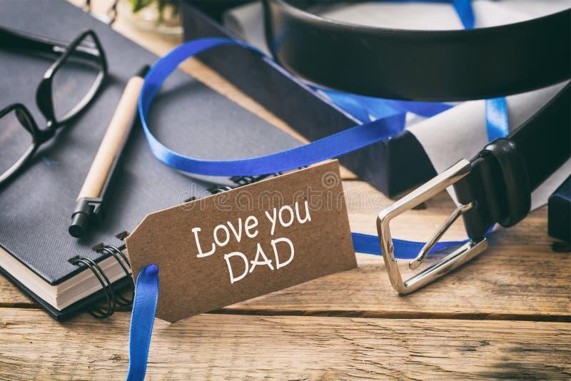 Kocham ciebie tata w etykietce, biurowego biurka tło zdjęcie stock