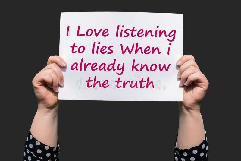 Kocham słuchanie kłamstwa Gdy już znam prawdę fotografia royalty free