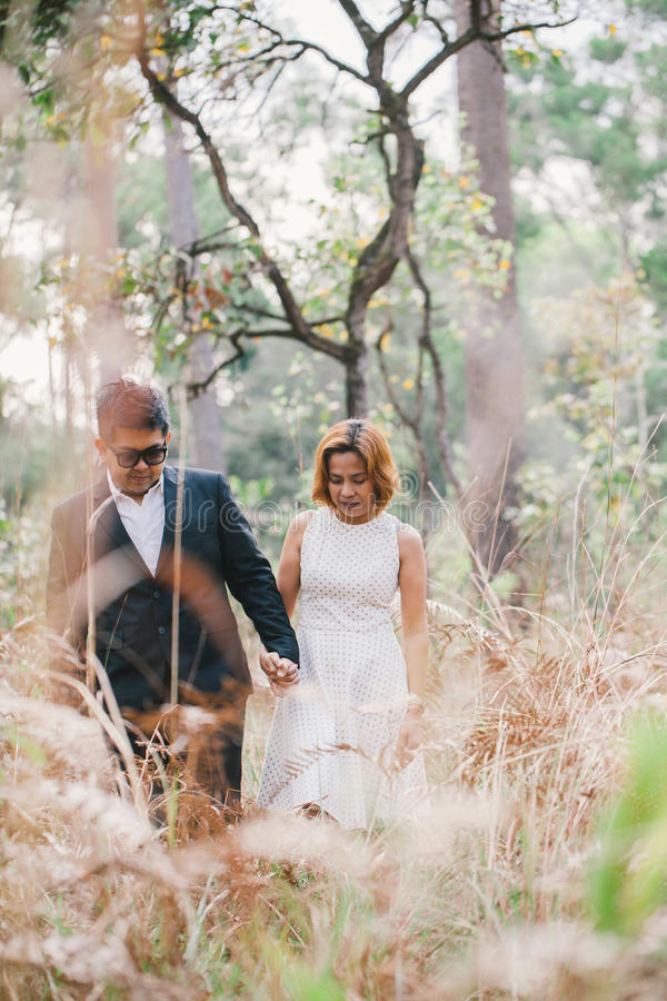 Kochanek w lesie obraz stock