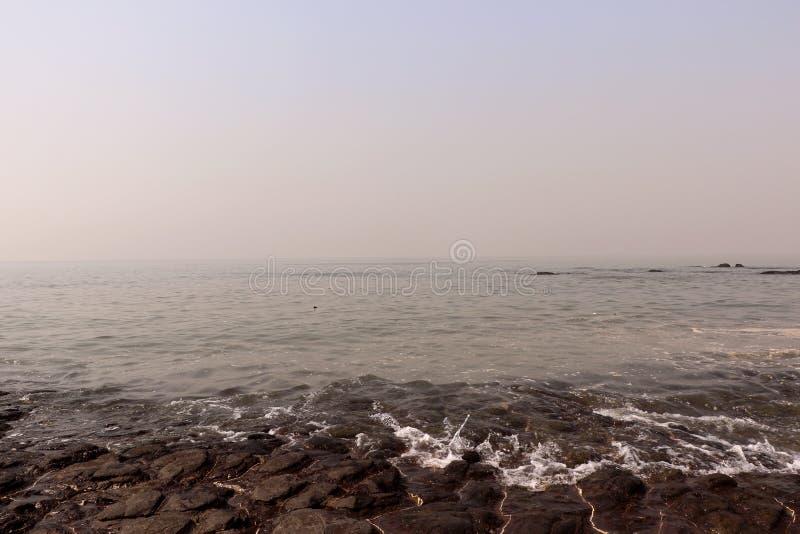 Kochanka punkt Mumbai dla pary Bandstand plaży obrazy royalty free
