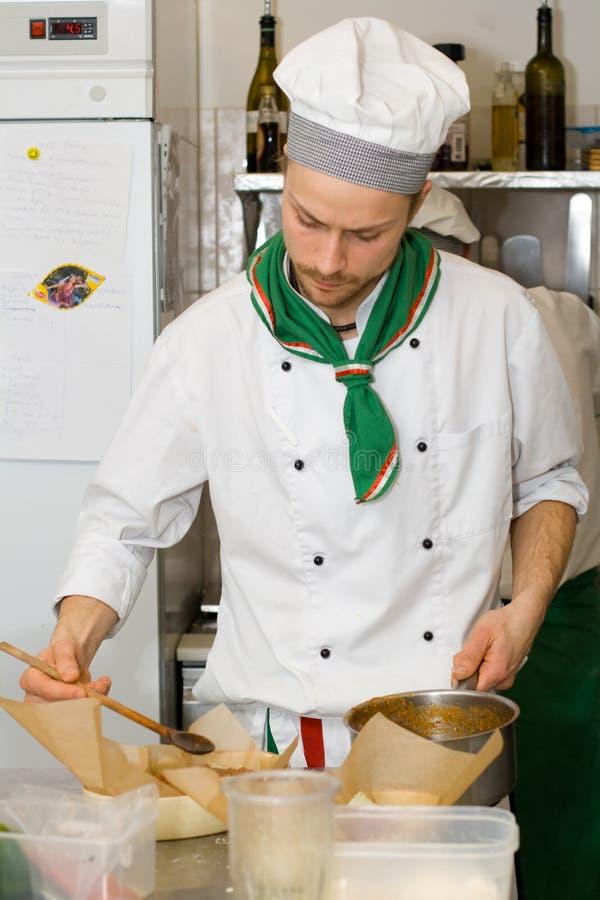 kockmatlagningkök royaltyfria bilder