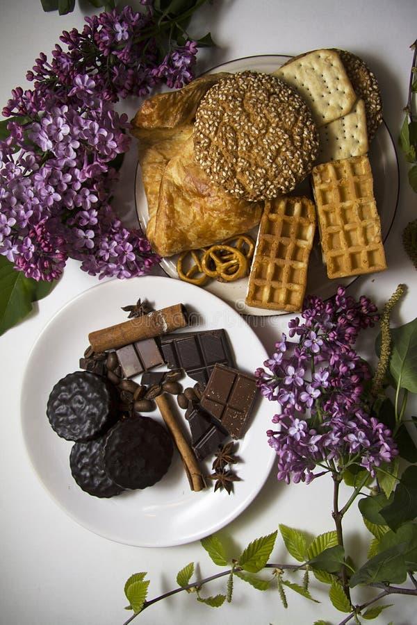 Koekjes en chocolade 05 stock afbeeldingen