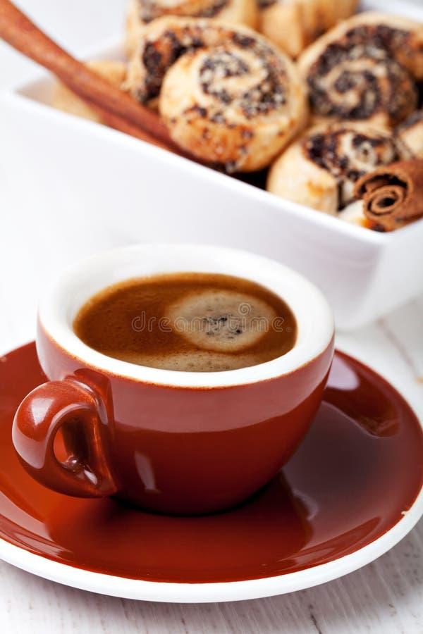 Koekjes en koffiekop stock afbeelding