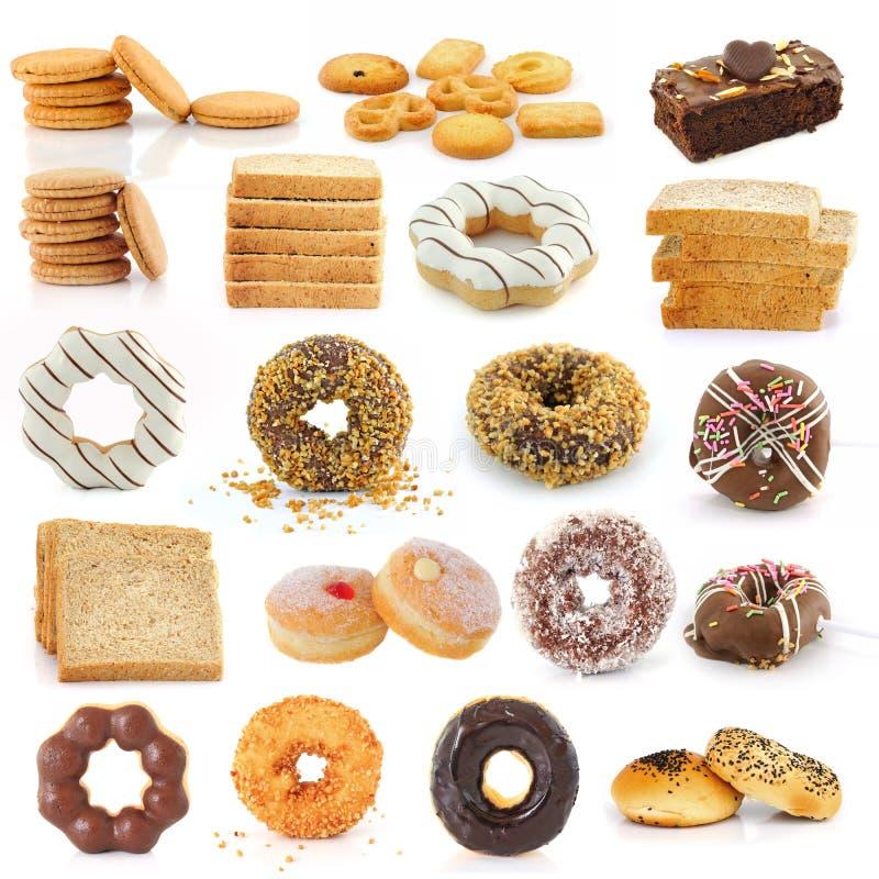 Koekjesbrood donuts brownies op wit stock afbeeldingen