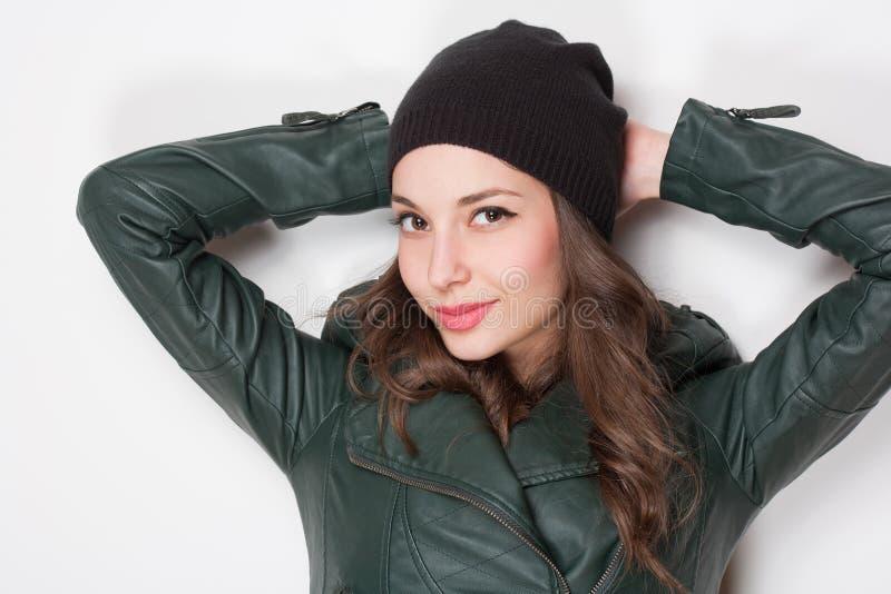 Koel jong brunette. royalty-vrije stock afbeeldingen