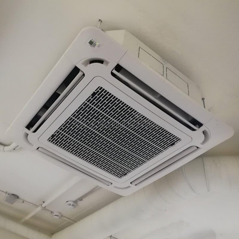 Koel technische ruimten Industri?le airconditioning stock foto's