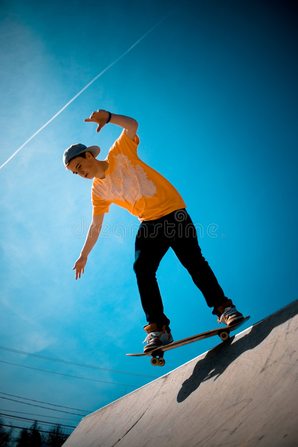 Koele Skateboarder stock afbeeldingen