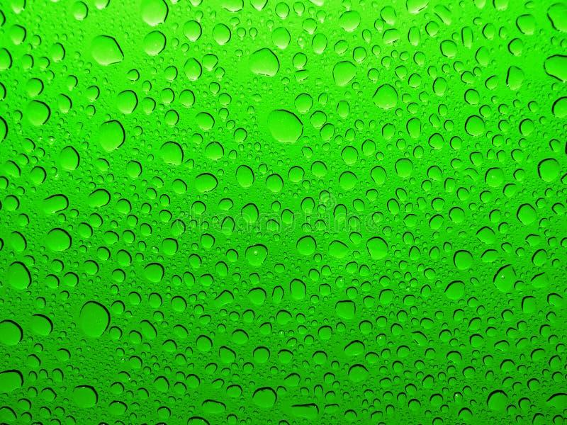 Koele waterdruppeltjes, dalingen, bellen stock afbeelding
