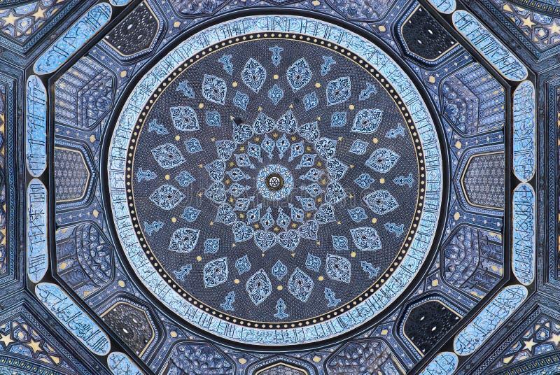 Koepel van de moskee, oosterse ornamenten, Samarkand stock fotografie