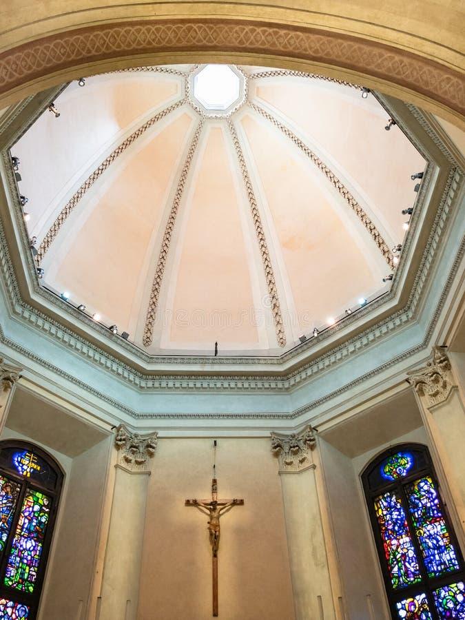 Koepel van kerk San Gottardo in Corte in Milaan royalty-vrije stock foto's